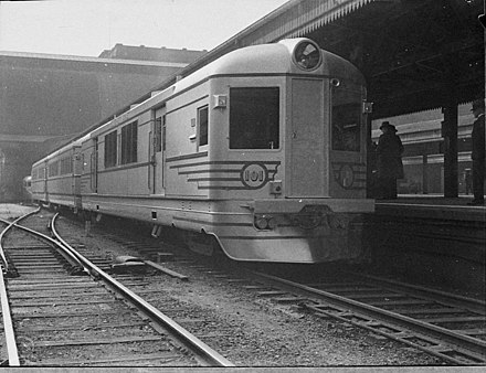 The Silver City Comet at Central station on a test run to Moss Vale, 1937 (Hood Collection, State Library of New South Wales) Silver City Comet PH101 at Central.jpg