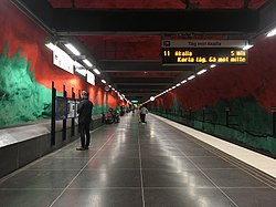 Solna centrum tunnelbanestation 2.jpg
