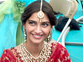 Sonam Kapoor on the sets of 'Thank You'.jpg