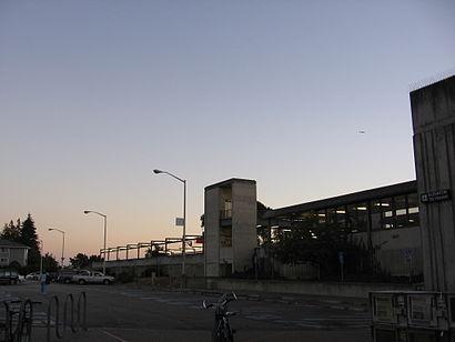 Cómo llegar a South Hayward BART Station en transporte público - Sobre el lugar