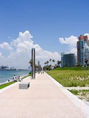 South Pointe Park - Image: South Pointe promenade