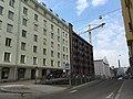 Split-level street and construction crane (30632714827).jpg