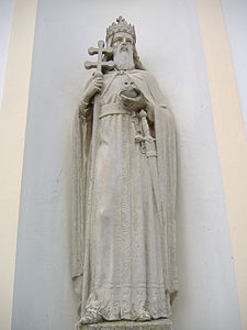 Statue of Stephen I of Hungary in Apátfalva.JPG