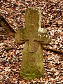 Steinkreuz im Eschenbacher Wäldchen(Eltmann).jpg