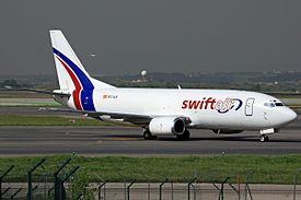 Swiftair - Boeing 737-301(SF).jpg