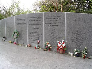 Swissair Flight 111 - Flowers at the Bayswater memorial