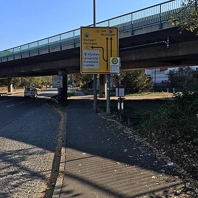 Tübingen-Reutlinger-Straße-Bushaltestelle-2.jpg