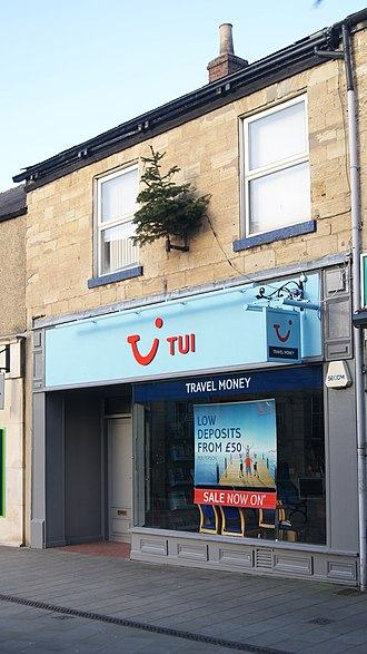TUI Group - Image: TUI, Market Place, Wetherby (31st December 2017)