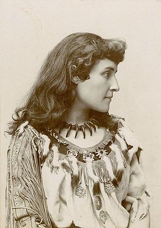 E. Pauline Johnson - Image: Tekahionwake ca 1895