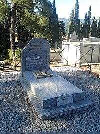 Tomba de Pompeu Fabra 01.jpg