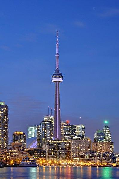 File:Toronto - ON - CN Tower bei Nacht2.jpg