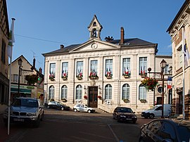 The town hall in Toucy