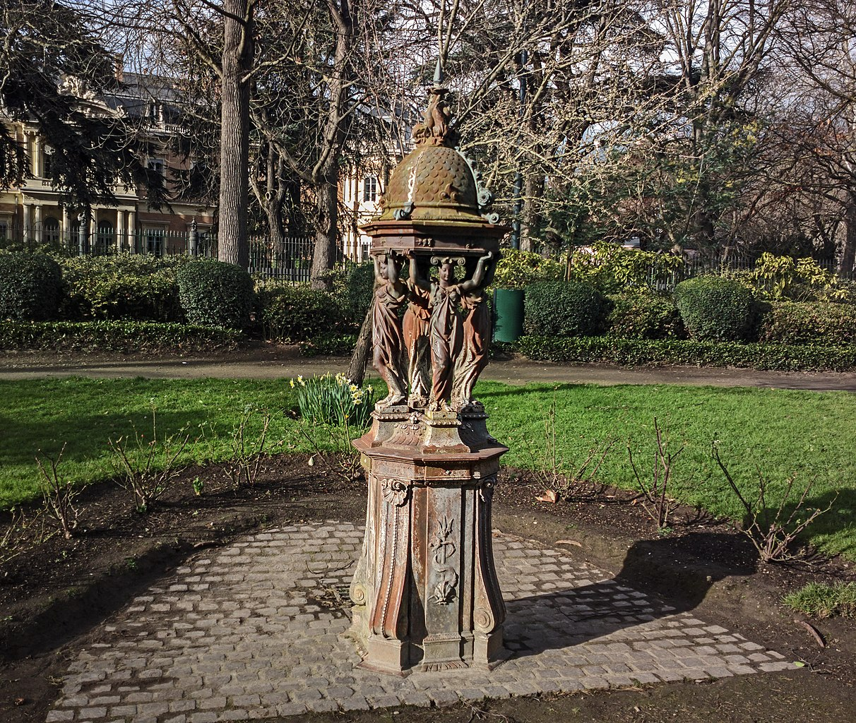 File:Toulouse - Fontaine Wallace du Jardin du Grand Rond.jpg ...