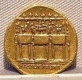 Traiano, aureo, 98-117 ca. 05.JPG