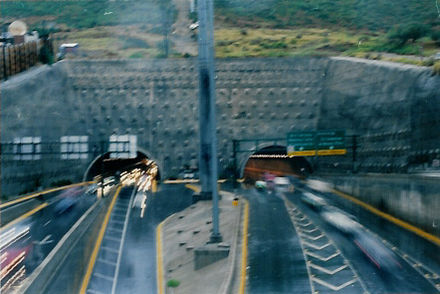 Loma Larga Tunnel Tunel de la Loma Larga 02.jpg