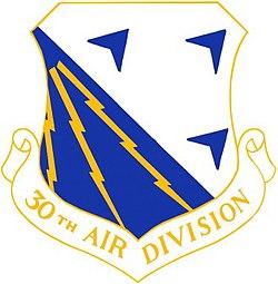USAF 30th Air Division Crest.jpg