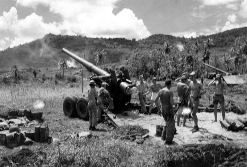 US Marine Corps 155mm rifle on White Beach, Guam.jpg