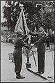 Uitreiking nieuw vaandel van het garderegiment Jagers door Prins Bernhard aan lu, Bestanddeelnr 016-0272.jpg