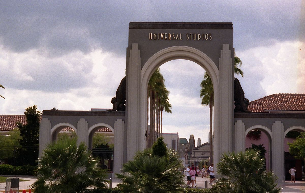 Universal S Islands Of Adventure Port Of Entry
