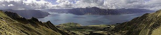 View from Isthmus Peak Trail to Lake Hawea, New Zealand 02.jpg