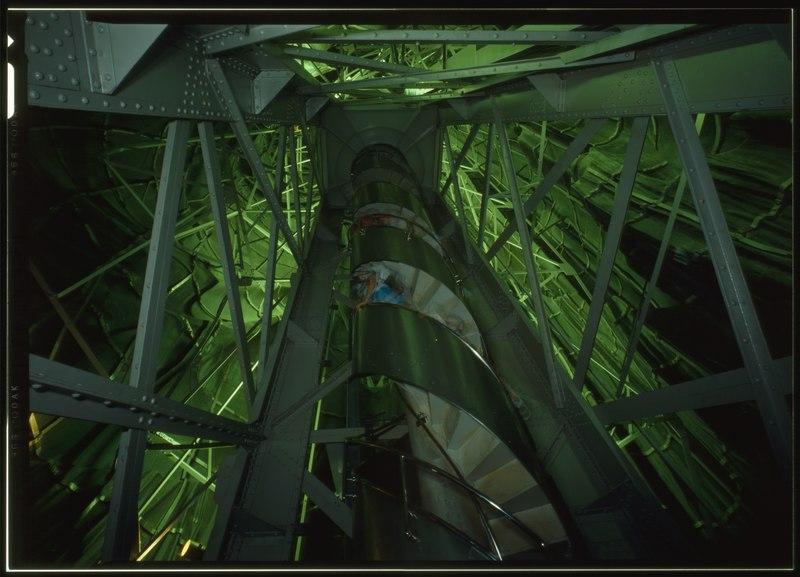 Freiheitsstatue innen. View up stair case of the interior of main frame - Statue of Liberty, Liberty Island, Manhattan, New York