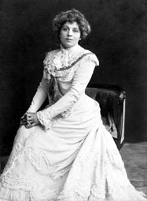 Viola Allen - Image: Viola Allen seated