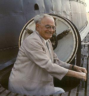 Vittorio G. Rossi - Vittorio Giovanni Rossi visiting the submarine ''Evangelista Torricelli'' (S-512) in 1965