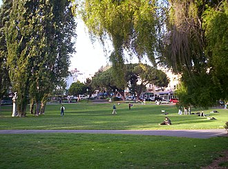 Washington Square (San Francisco) - Image: Washington Square Park San Francisco September 2006