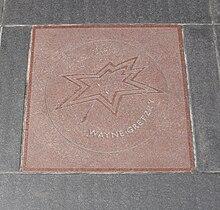 220px-Wayne_Gretzky_Star_on_Canada%27s_Walk_of_Fame Wayne Gretzky Edmonton Oilers Los Angeles Kings New York Rangers Team Canada Wayne Gretzky