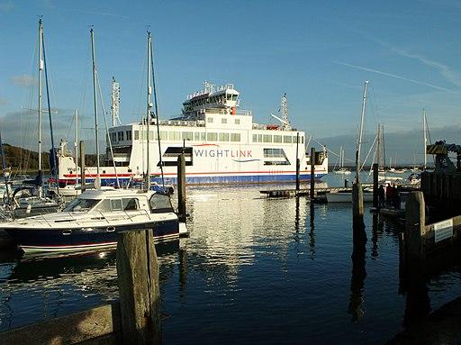 Wightlink ferry (14132912410)
