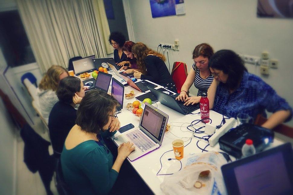 Wiki Women Editors Project - Women in technology 2.4 (2)
