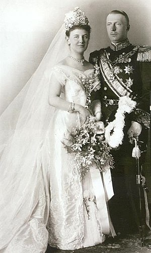 Wilhelmina of the Netherlands - Queen Wilhelmina and Prince Henry at their wedding
