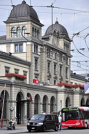 Winterthur - Hauptbahnhof Winterthur, Bahnhofplatz 5–9 2011-09-08 14-42-50