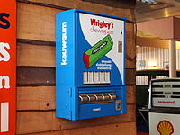 Wringley's chewing gum vending machine.JPG
