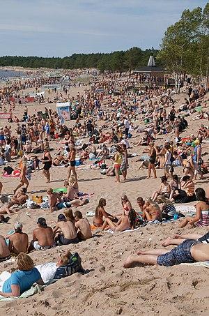 English: Yyteri beach and Bikini Bar during Yy...