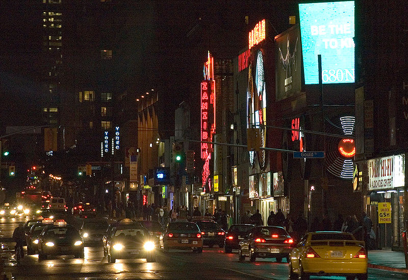 File:Yonge Street saturday night.jpg