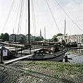 Zicht op de haven met boten - Gouda - 20387433 - RCE.jpg