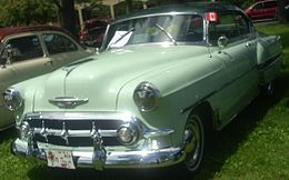 Una Chevrolet Bel Air due porte coupé del 1953