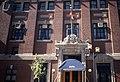 Édifice de l'Association athlétique amateur de Montréal, 2070, rue Peel, Montréal façade, partie centrale avec l'entrée, brique 11-d.na.civile-91-449.jpg