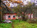 Домик возле усадьбы - panoramio.jpg