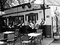 Скадарлија, оркестар свира празној кафани, подне.jpg