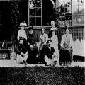 תיאודור הרצל אשתו אמו וידידים בקיטנה באלט- אוססה ( ת. מ. 1902) מימין לשמאל- -PHG-1010310.png