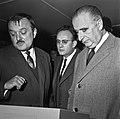 1963 Visite de Mrs Georges Pompidou et Edgard Pisani au CNRZ-13-cliche Jean Joseph Weber.jpg