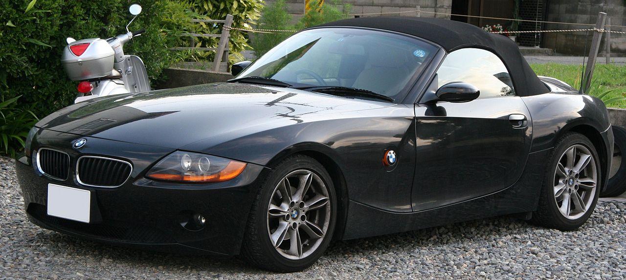 File:2003-2006 BMW Z4 Roadster.jpg - Wikimedia Commons