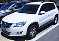 2008-2010 Volkswagen Tiguan (5N) 125TSI 4MOTION wagon (2016-02-10) 01.jpg