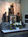 201206221120b Hesselbach Kirche Schwarze Madonna Gruppe.JPG