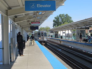 Garfield station (CTA Green Line) - Image: 20130608 16 CTA South Side L @ Garfield