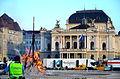 2013 Sechseläuten - Sechseläutenplatz (nach dem Umritt) mit dem neuen Belag für den Umritt im Bereich des 'Böögg-Scheiterhaufens', Ansicht vom Bellevue, im Hintergrund das Opernhaus 2013-04-15 19-27-14.JPG