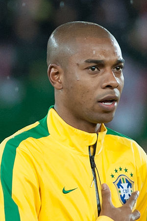 Fernandinho (footballer) - Fernandinho playing for Brazil in 2014