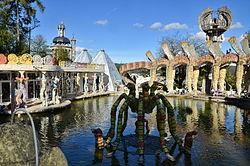 2014 Bruno Weber Park - Wassergarten, Wassergartenhaus und Flügelhund ... hoffentlich mit Wiedereröffnung nach Oktober 2014-10-17 15-15-50.JPG